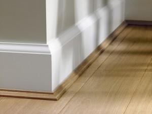 木地板收邊地板與牆壁
